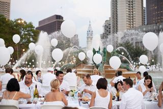 007, Diner En Blanc, Philadelphia, Picnic, Food, Foodie, Philly, event, logan circle, style, fashion, fun, Aversa PR, philly loves fun